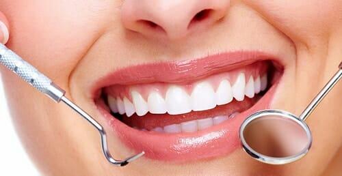 علاج تسوس الأسنان الأمامية