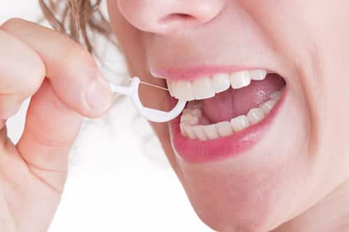 كيفية إستخدام خيط الأسنان