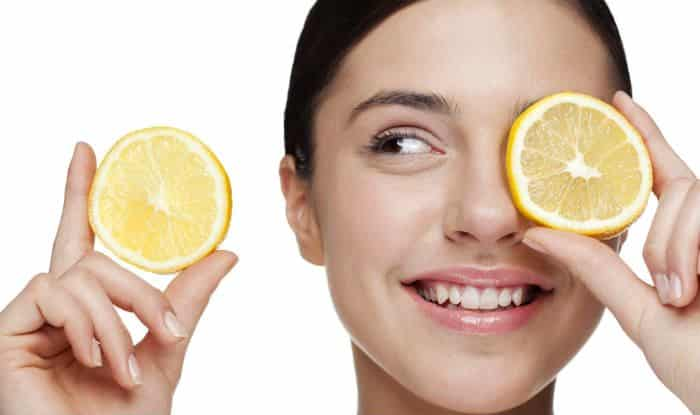 تفتيح الوجه بالليمون وفوائده المدهشة للبشرة