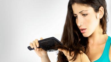 كيفية معالجة تساقط الشعر طبيعياً