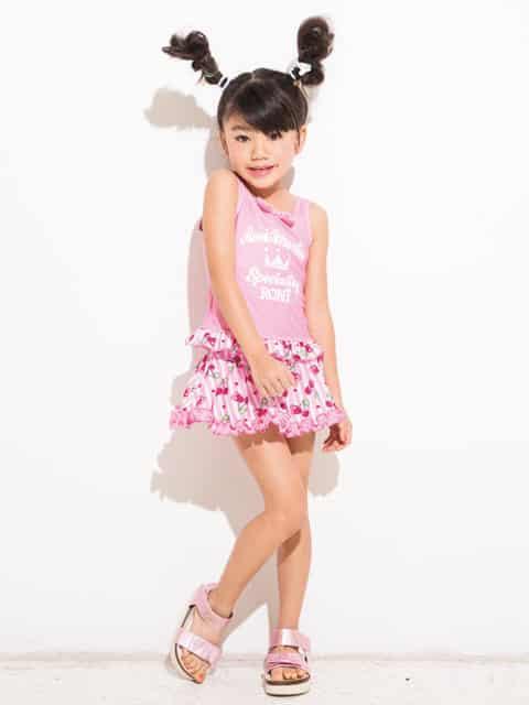 أحدث تصميمات ملابس الاطفال للعيد منوعة