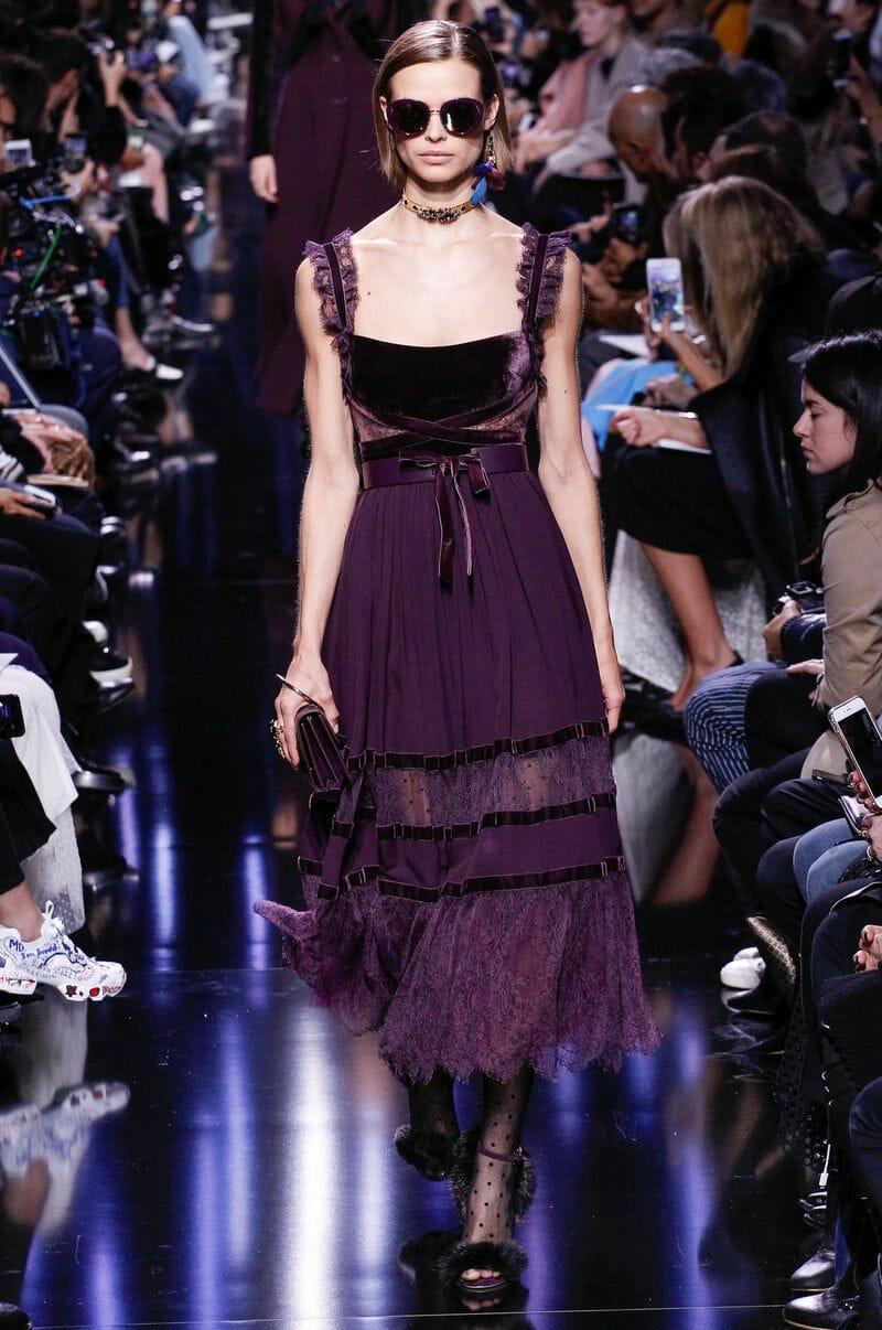 موديلات مميزة لفساتين ايلى صعب لموسم الخريف جديدة