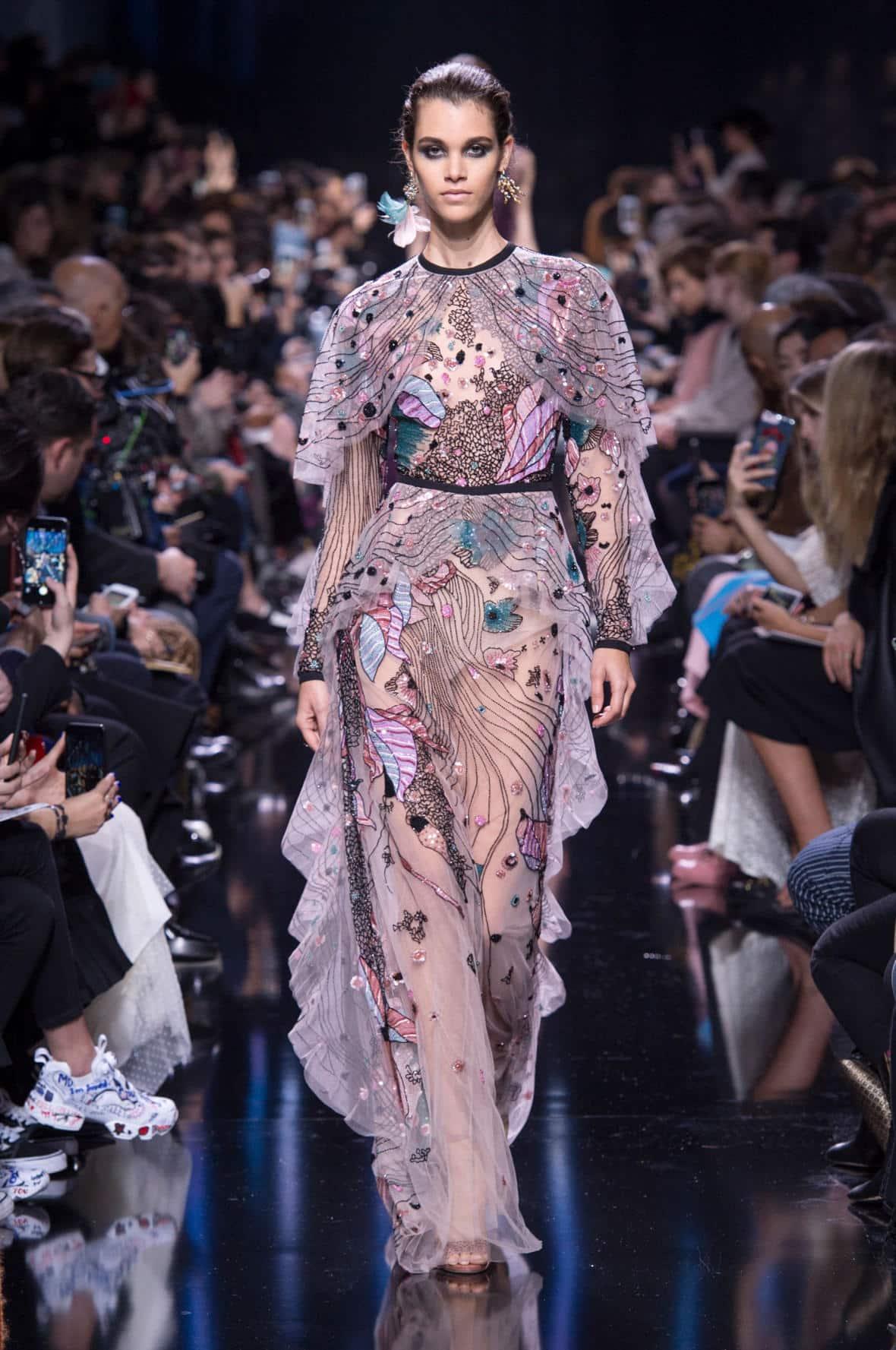 أحدث تصميمات الفساتين للمصمم ايلى صعب متنوعة