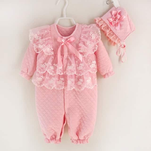 ملابس فصل الخريف للاطفال الرضع منوعة