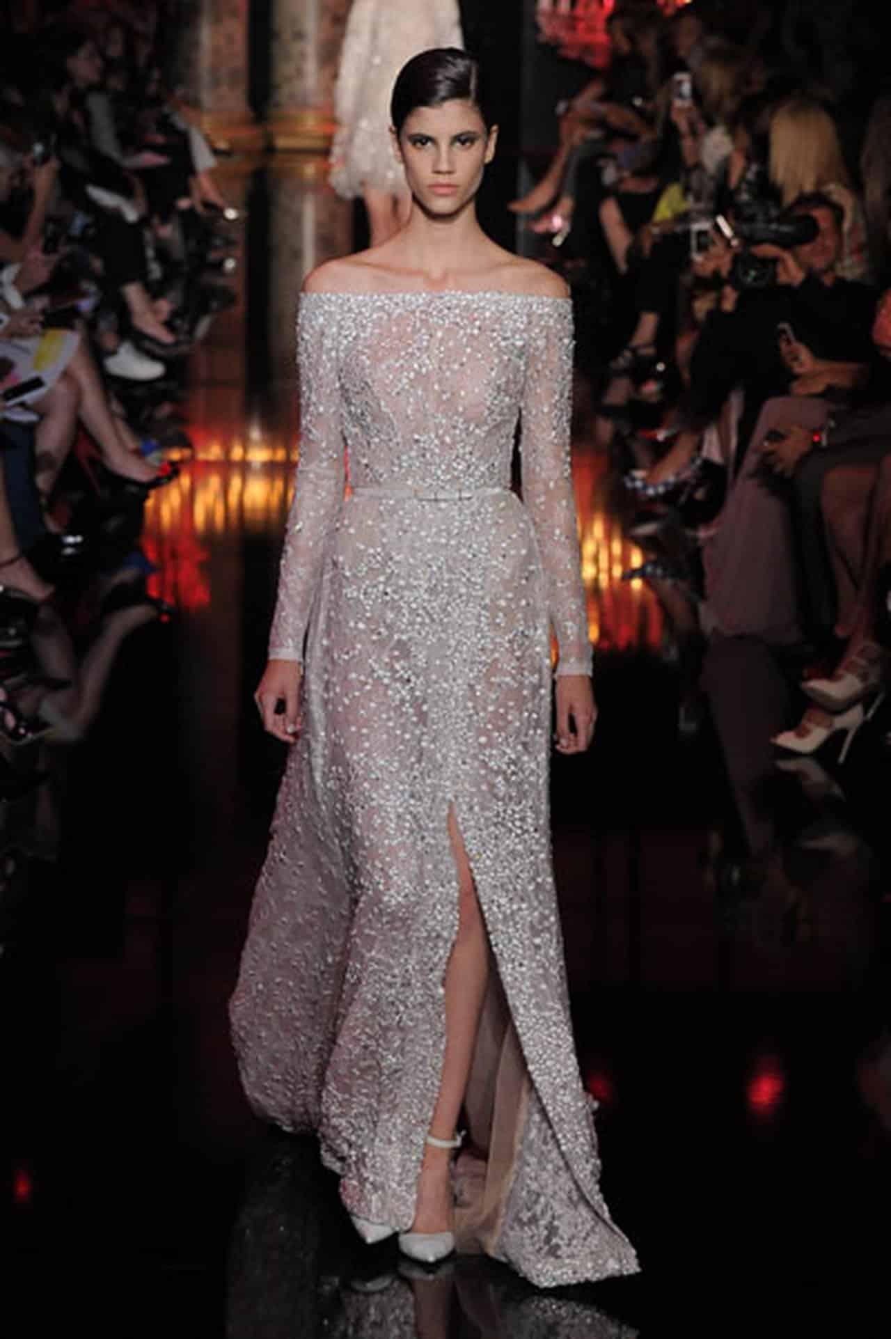 b24b0091d أحدث إطلالة لفساتين إيلي صعب جميلة