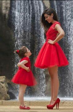 صور مميزة لأجمل فساتين الامهات مع أطفالها منوعة