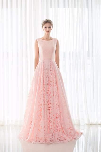 صور مميزة لأحث الموديلات من الفساتين المنفوشة للخطوبة حلوة