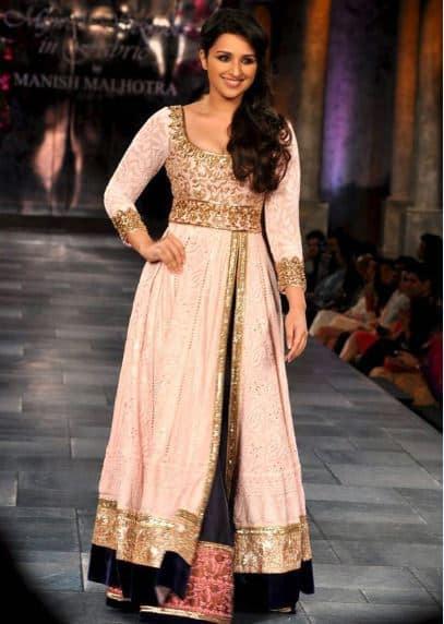 صور لأفضل الأزياء الهندية لأحدث إطلالة جميلة