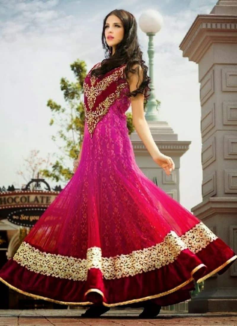 صور لأفضل الأزياء الهندية لأحدث إطلالة متنوعة