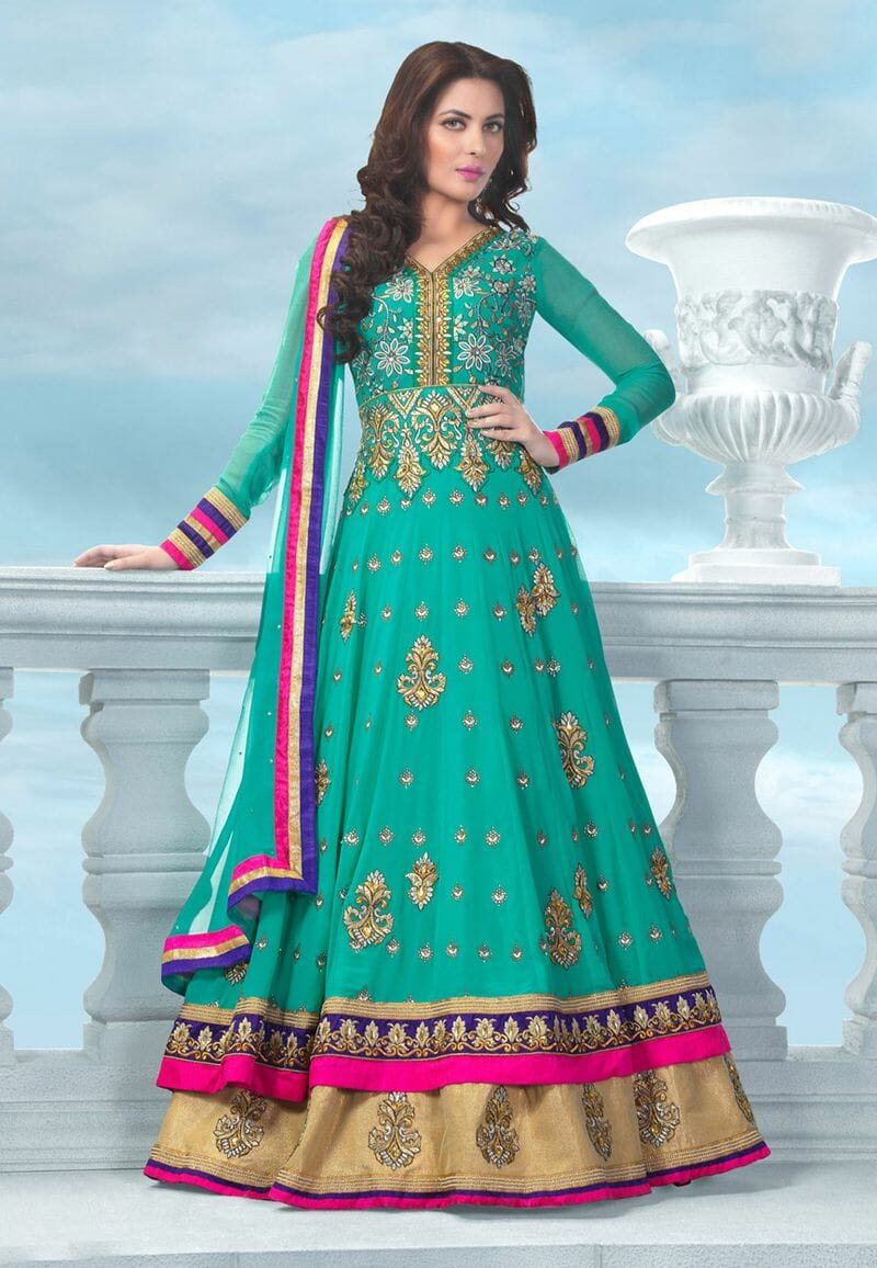صور مميزة للأزياء الهندية على الموضة حلوة