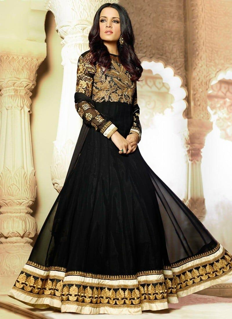 صور مميزة للأزياء الهندية على الموضة متنوعة