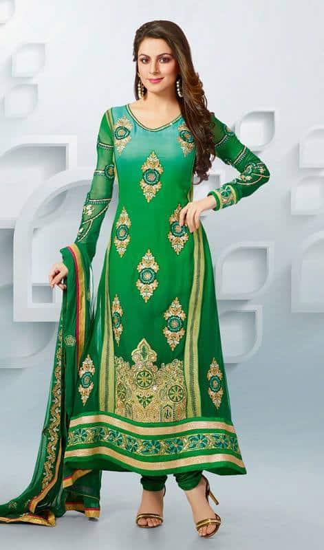 صور مميزة للأزياء الهندية على الموضة منوعة