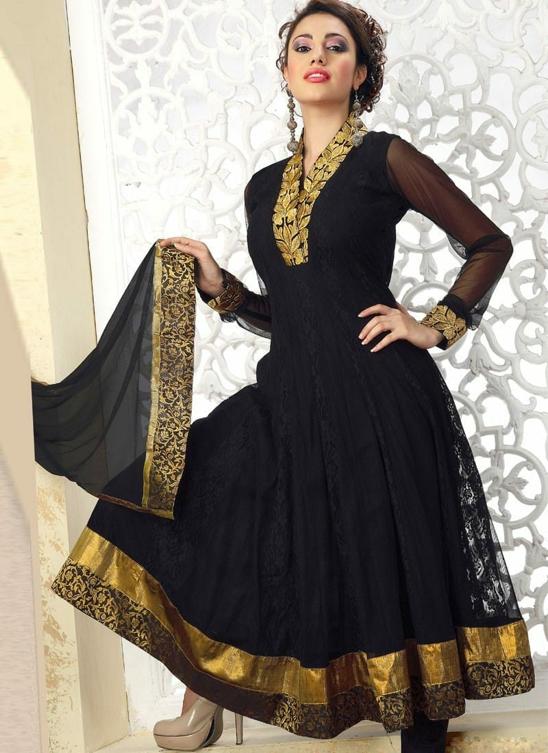 صور مميزة للأزياء الهندية على الموضة جميلة