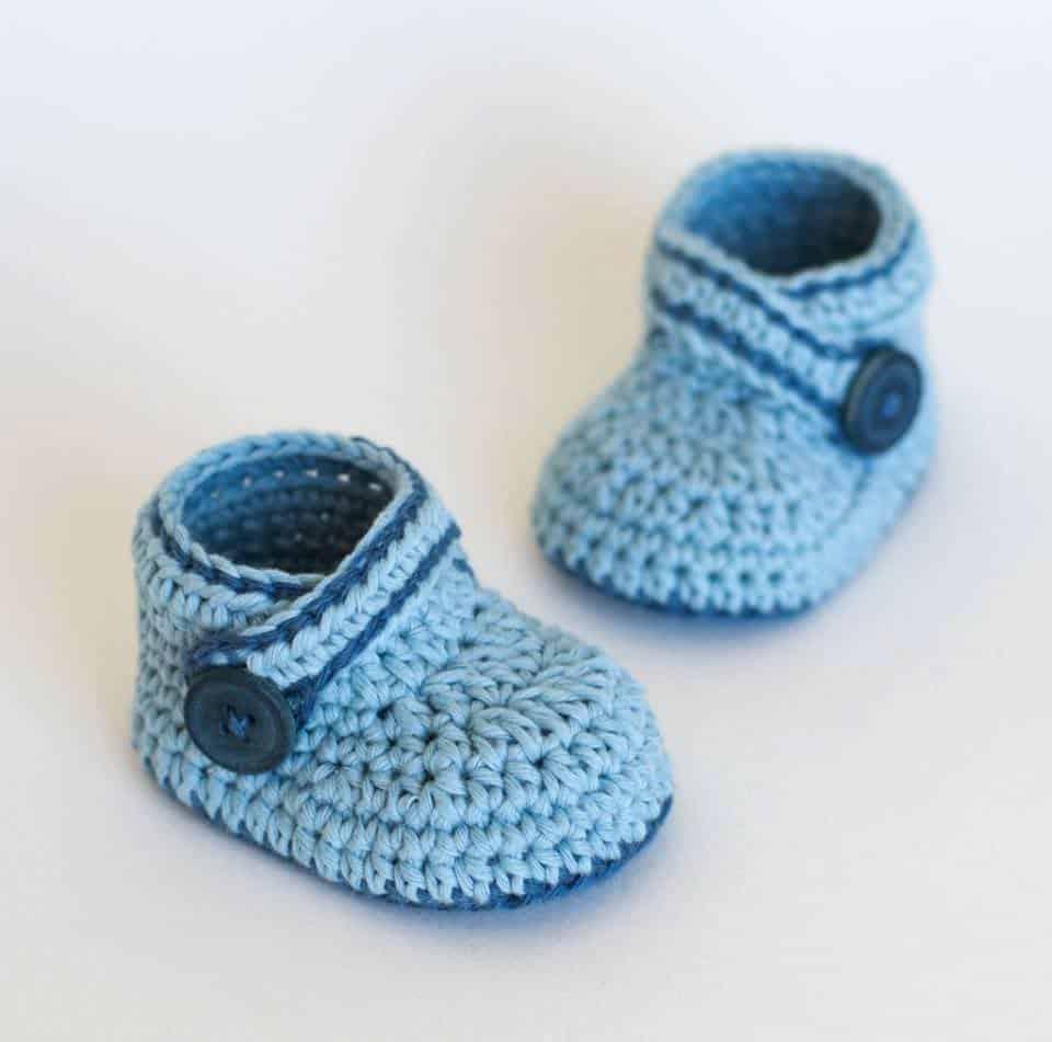 صور أحذية كروشية لفصل الشتاء 2019 روعة