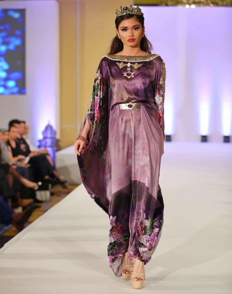 1ddec34e7896c ... صور أخر صيحات الموضة للأزياء المغربية 2019 منوعة