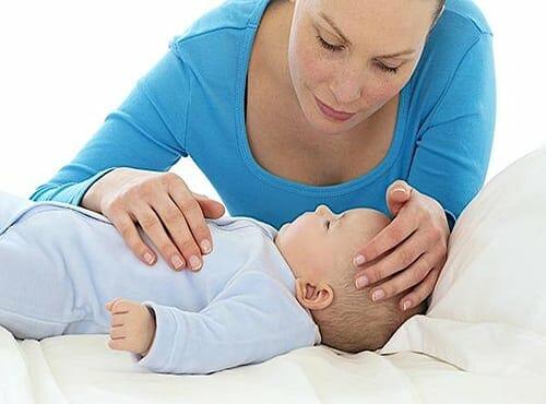 انخفاض درجة حرارة الرضيع وأسباب إنخفاضها المفاجئ