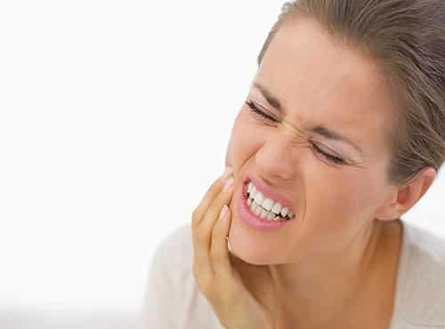 أبرز الأسباب لمشكلة ألم الأسنان