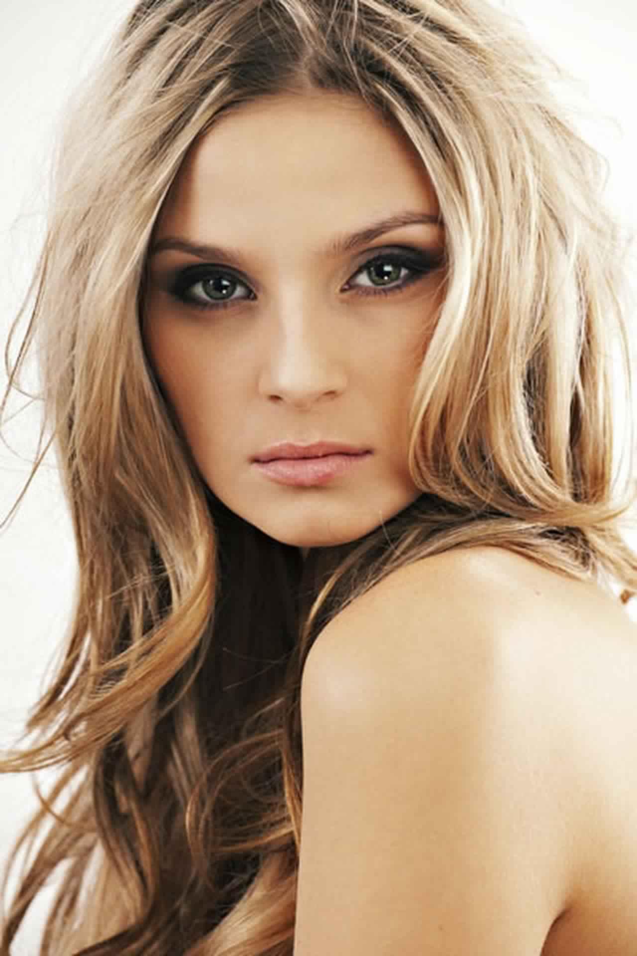 أفضل الصور المميزة لتحديد لون الشعر جميلة