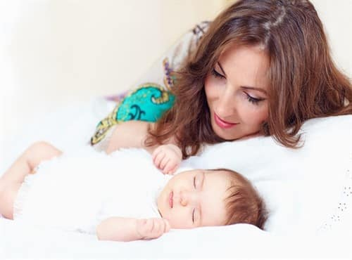 كيف أعتني بطفلي المولود حديثاً